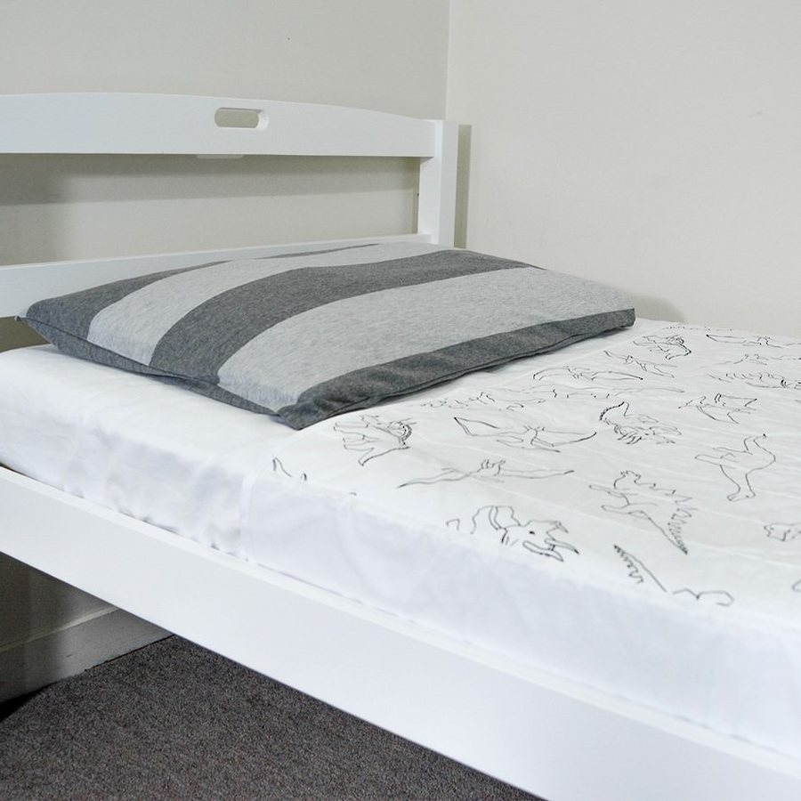 Brolly Sheets Bed Pad with Wings - Single image 0