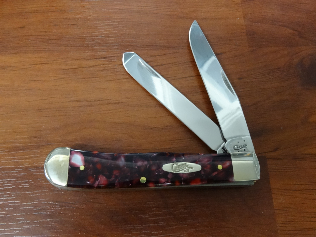 Case Cutlery Trapper, Smooth Cranberry Kirinite Pocket Knife -13270 image 0