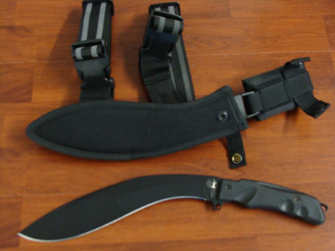 Fox Knives Extreme Tactical Kukri, Sheath W/Leg Strap FX9CM04T image 0