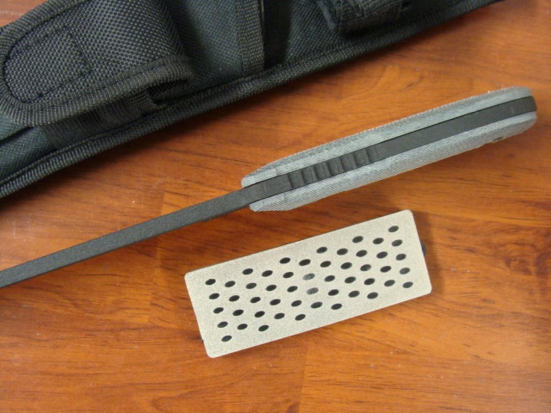 """Schrade Frontier 7"""" Fixed , Ferro Rod, Sharpening Stone SCHF37M image 1"""