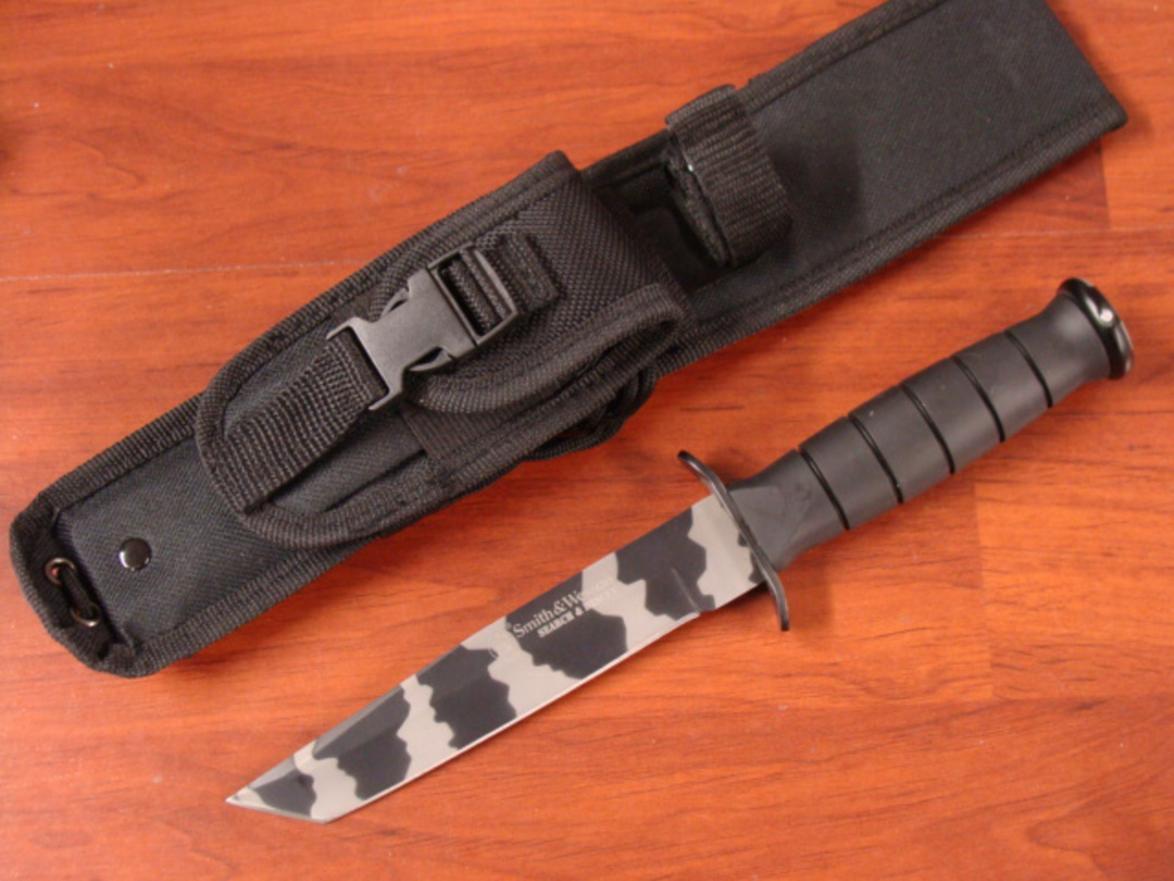 Smith & Wesson Search & Rescue Tanto Knife image 0