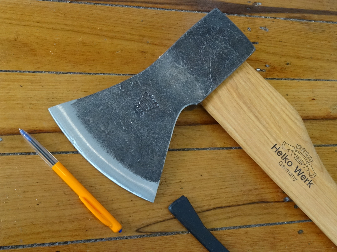 HELKO Traditional Woodworker Axe 1600g - 13566 image 1
