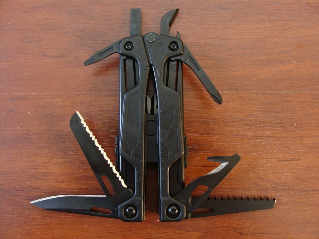 Leatherman OHT Black Multi-Tool - W/ Sheath image 2
