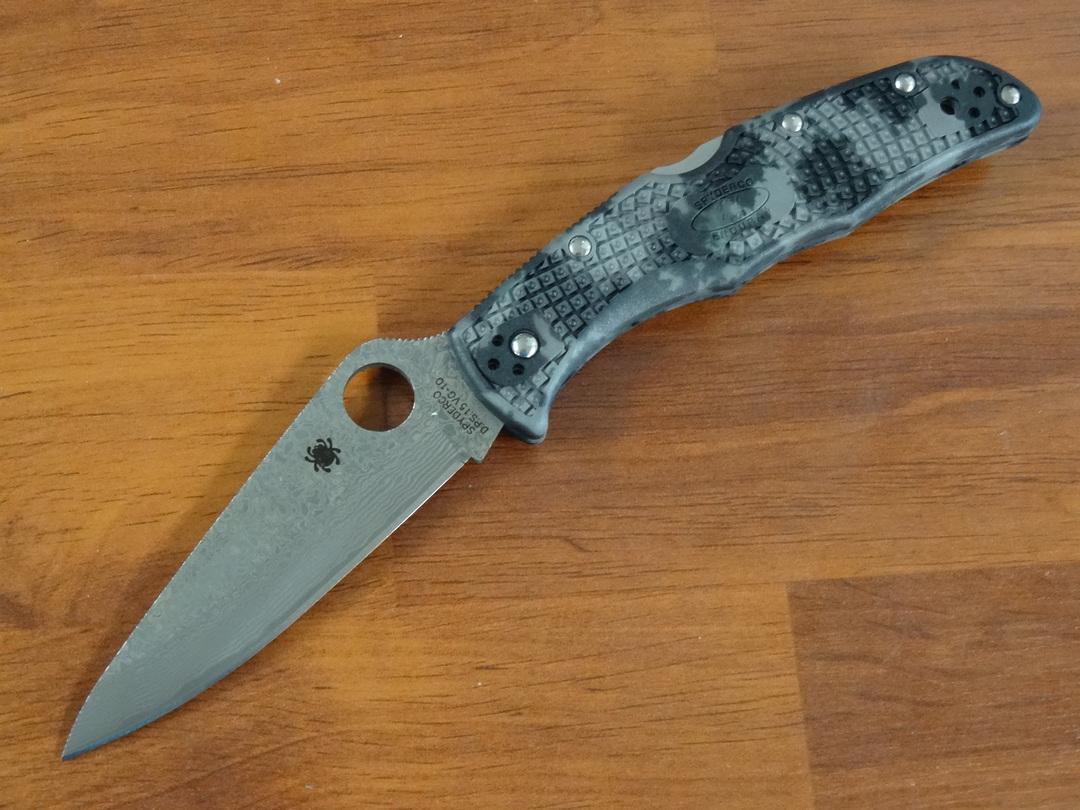 Spyderco Endura Damascus Plain Blade, Zome Gray FRN Handles image 0