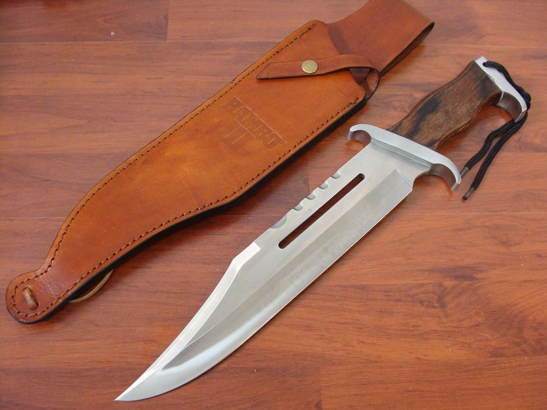 Rambo III Standard Hunting Knife image 0