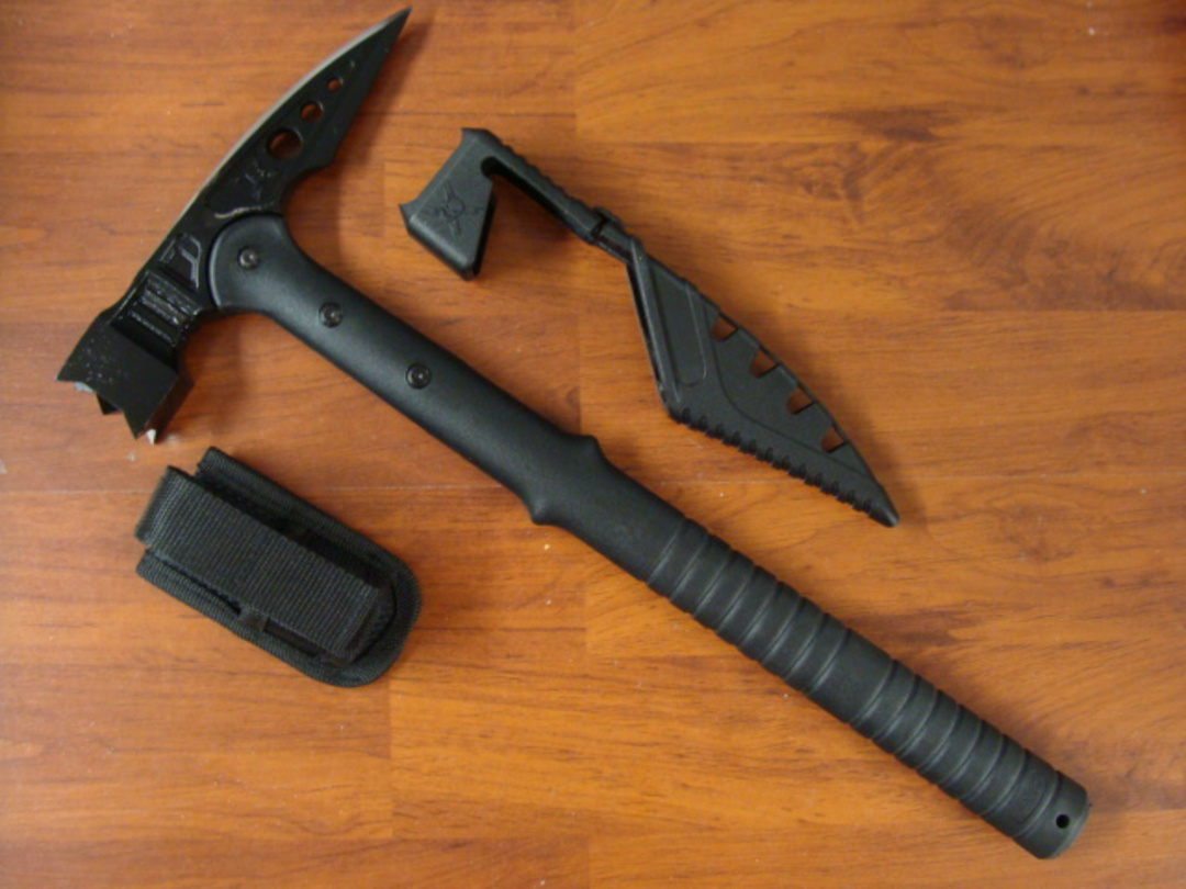 United Cutlery M48 Tactical War Hammer With Sheath image 0