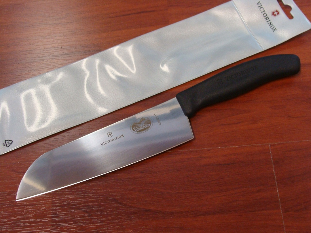 Victorinox Santoku Kitchen Knife image 0