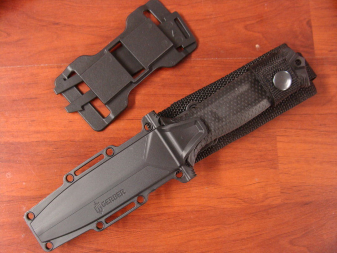 Gerber Strongarm Fixed Blade Knife- Black image 1