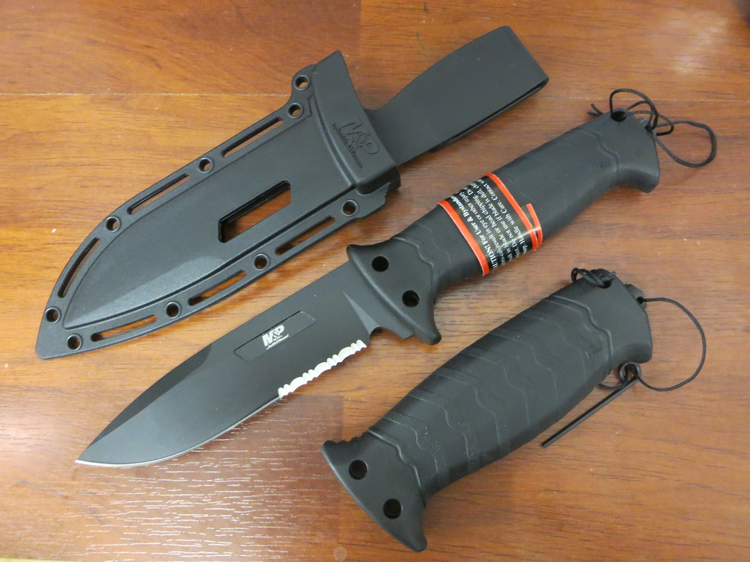 Smith & Wesson GripSwap Fixed Blade Knife image 0