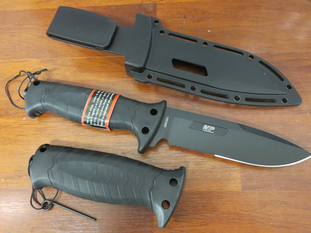 Smith & Wesson GripSwap Fixed Blade Knife image 1