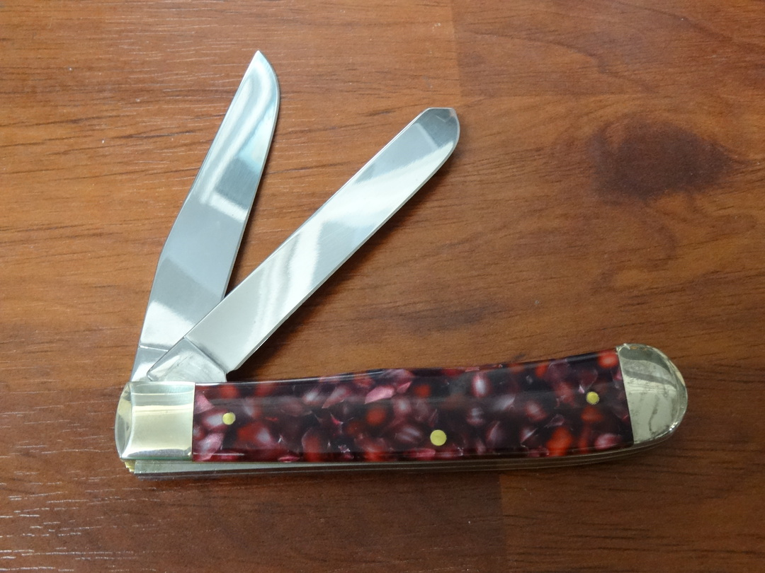 Case Cutlery Trapper, Smooth Cranberry Kirinite Pocket Knife -13270 image 1