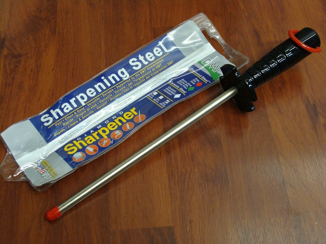 "DMT Diamond Sharpening Steel 10"" image 0"