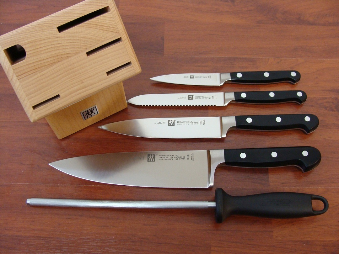 Zwilling J.A Henckels Professional S 6 Pc Knife Block Set image 0