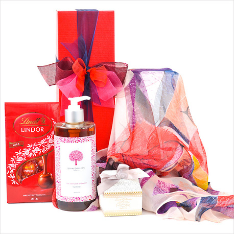 Spoil Her Gift Box image 0