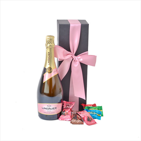 Bubbly in a Gift Box image 0