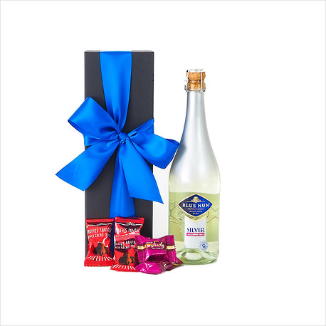Bubbly in a Gift Box image 2