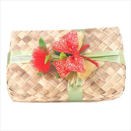 Meri Kirihimete Gift Basket image 0