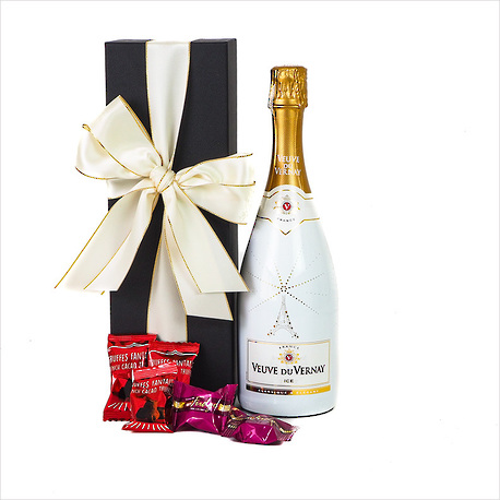 Bubbly in a Gift Box image 1