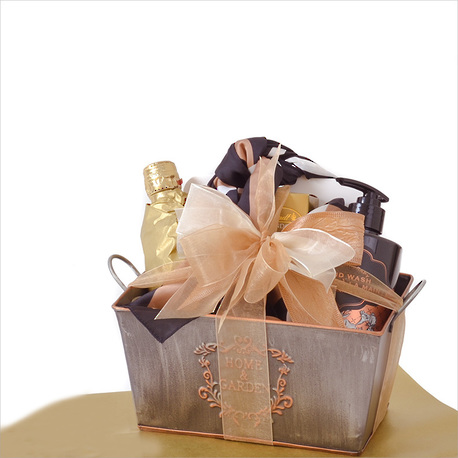The Home and Garden Gift Tub image 0