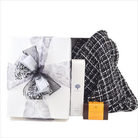 Beat The Winter Blues, Gift Box. image 1
