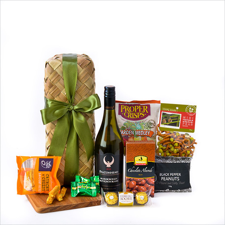 Wine and Nibbles Gift Basket image 0