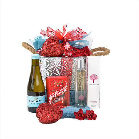 Bucket of Love Gift image 0