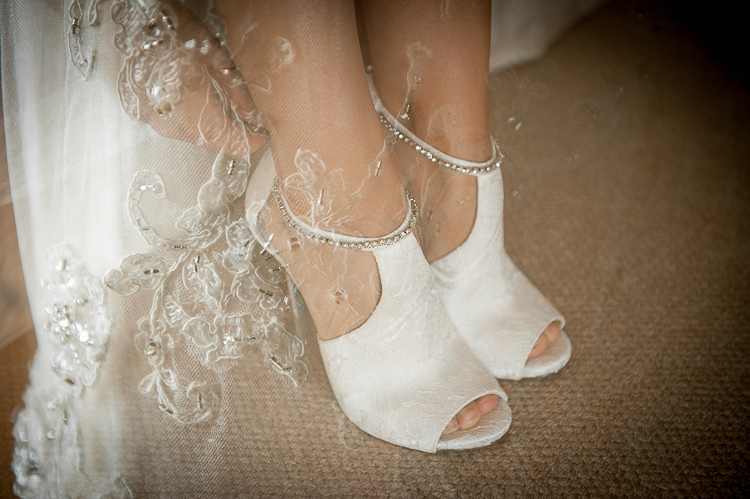 bride bridesmaids bridal party nelson nz wedding photos bridal party sandra johnson boutique photography getting ready preparation shoes
