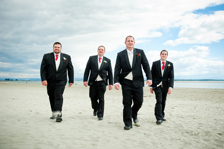 wedding photo groomsmen groom bridal party nelson nz tahuna beach tahunanui