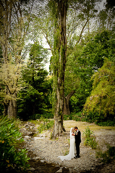 bride and groom love wedding romance glamour nelson nz isel park