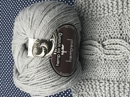 65% Wool and 35% Hemp - Double Knitting / 8 Ply Weight  - Platino image 3