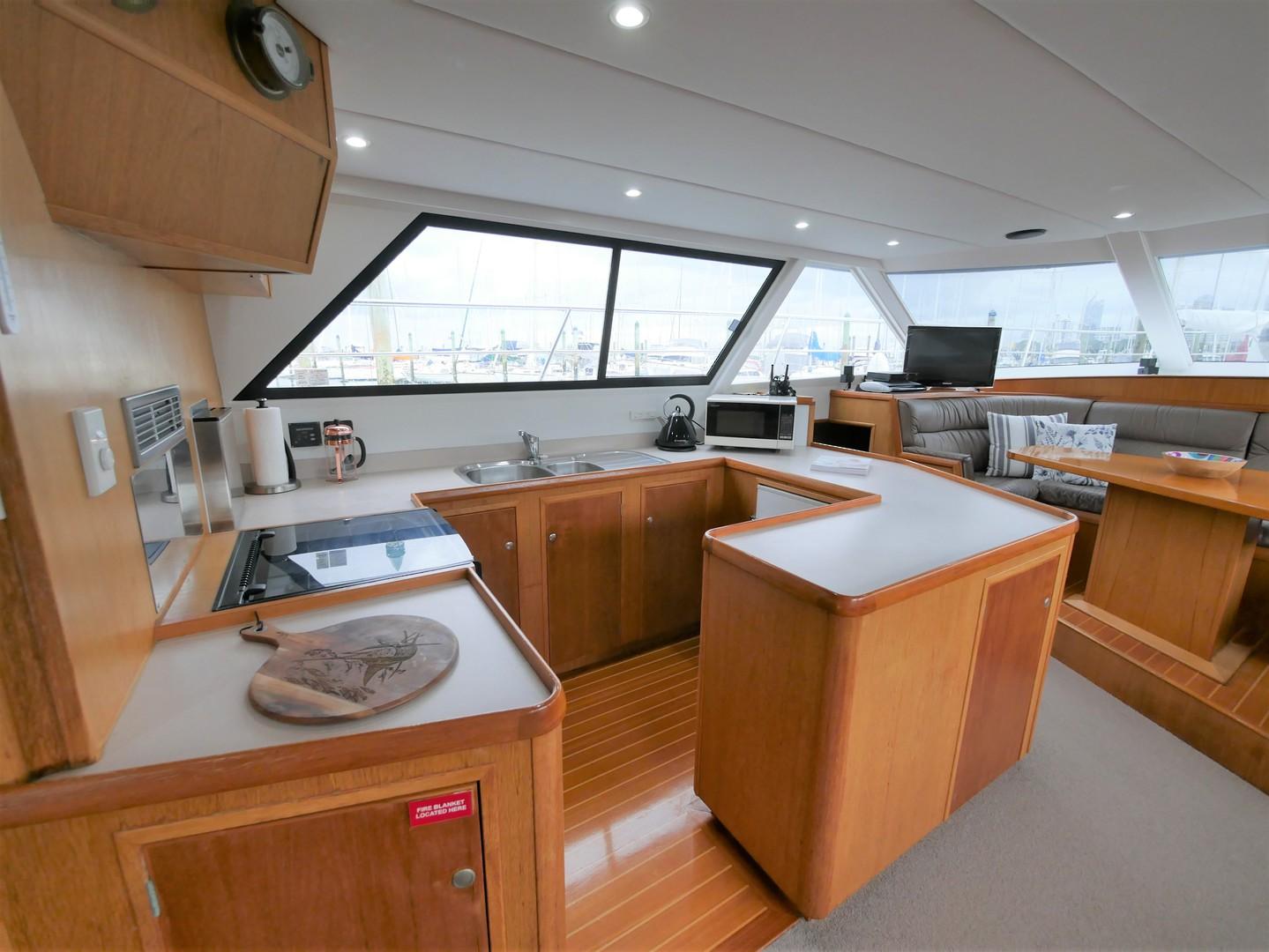 Roger Hill Power Catamaran -1998 image 4