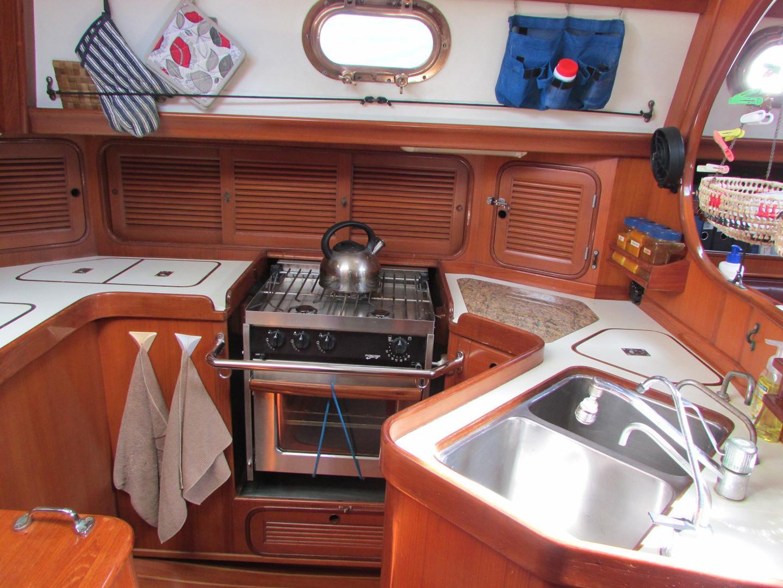 Tashiba 40 Offshore Cruiser - Robert Perry Design image 37