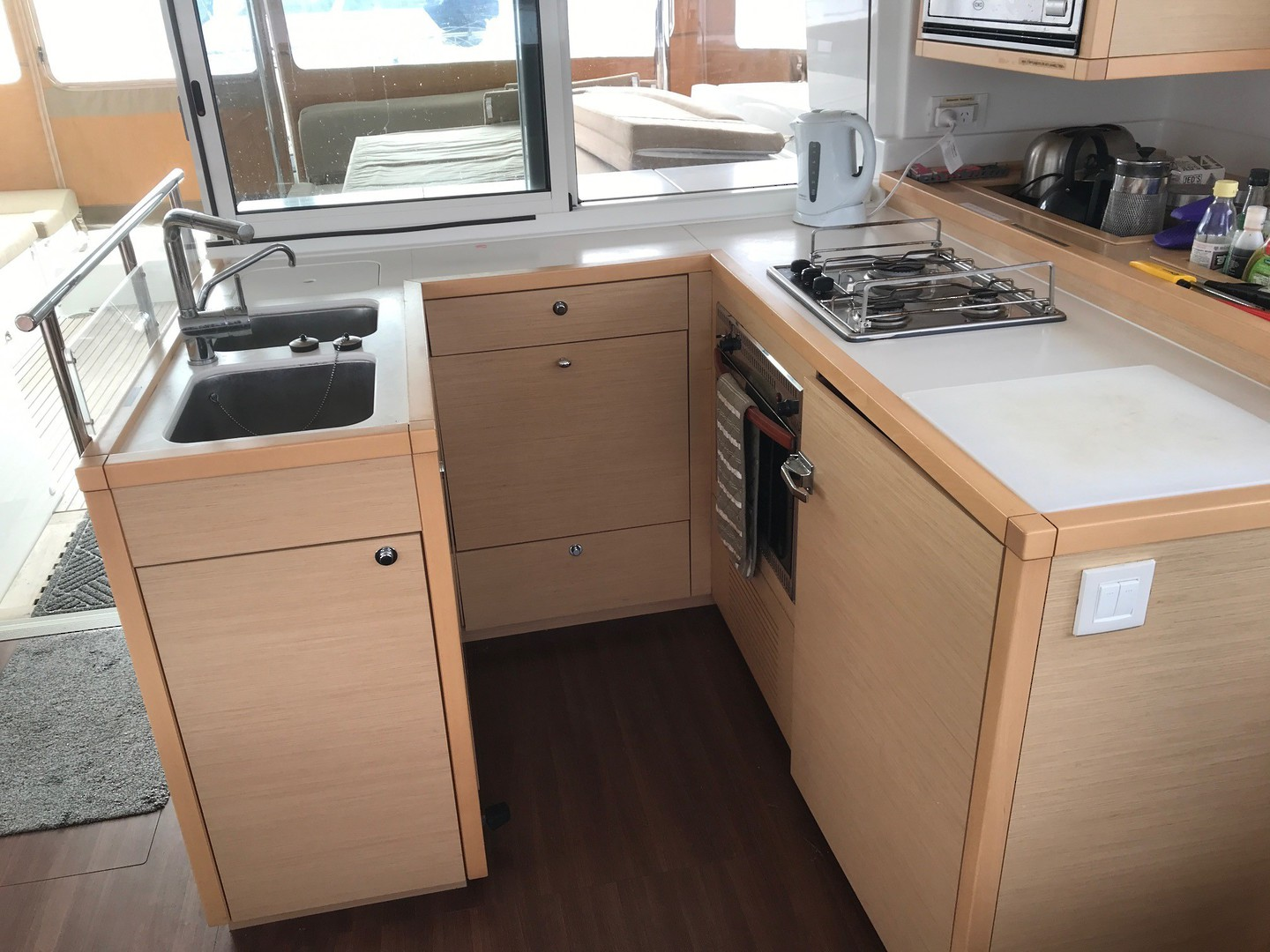 Lagoon 450 Flybridge- Price reduced image 18
