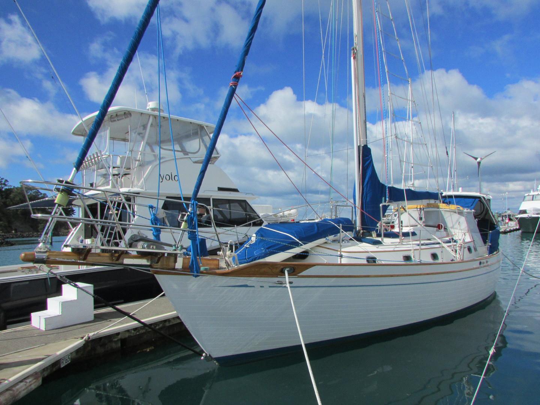 Tashiba 40 Offshore Cruiser - Robert Perry Design image 5