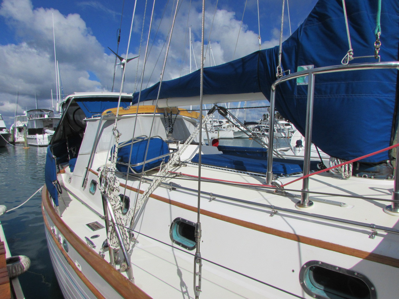 Tashiba 40 Offshore Cruiser - Robert Perry Design image 10