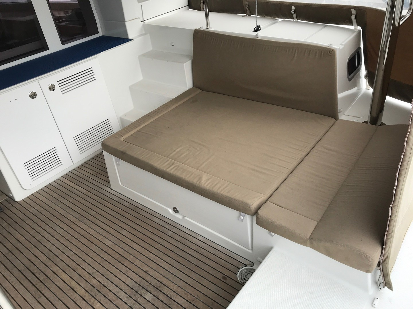 Lagoon 450 Flybridge- Price reduced image 8