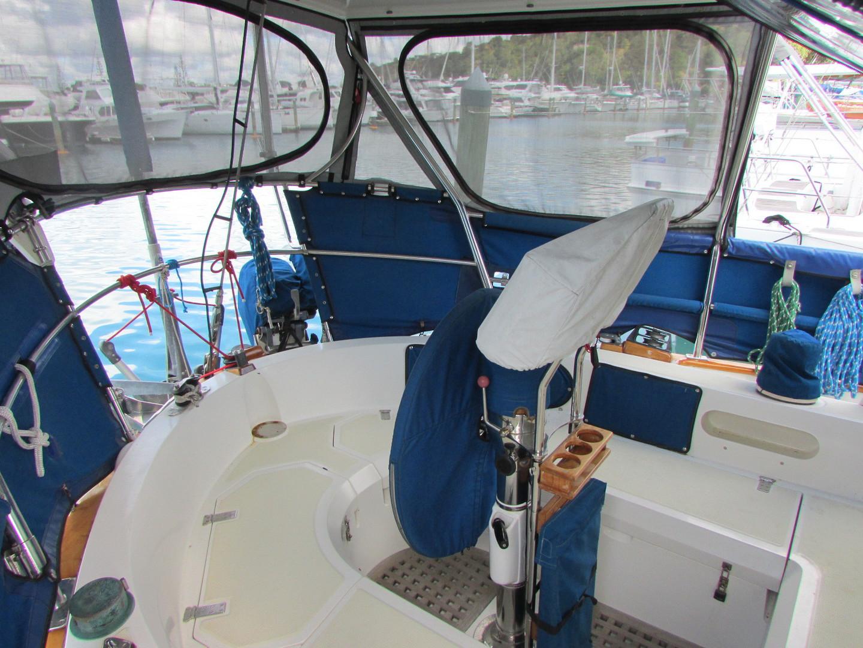 Tashiba 40 Offshore Cruiser - Robert Perry Design image 22