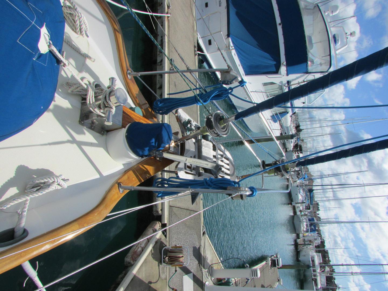 Tashiba 40 Offshore Cruiser - Robert Perry Design image 13