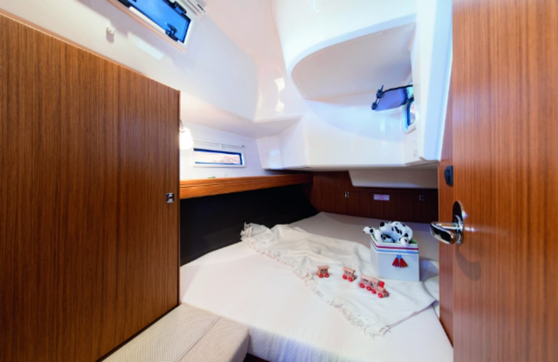 Bavaria Cruiser 37 image 7