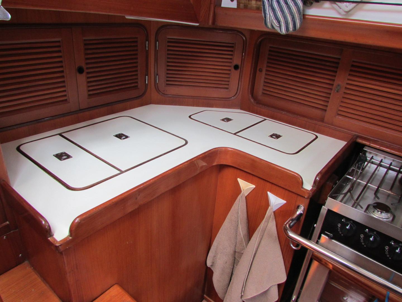 Tashiba 40 Offshore Cruiser - Robert Perry Design image 40