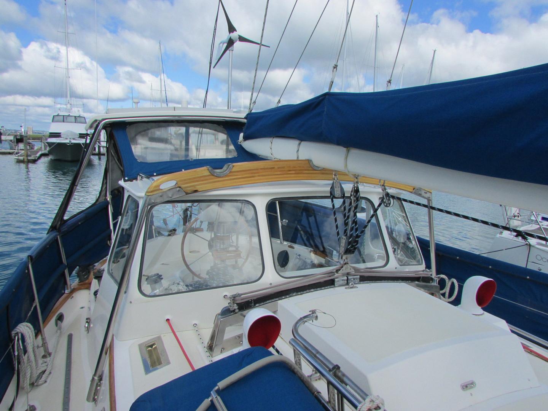 Tashiba 40 Offshore Cruiser - Robert Perry Design image 12