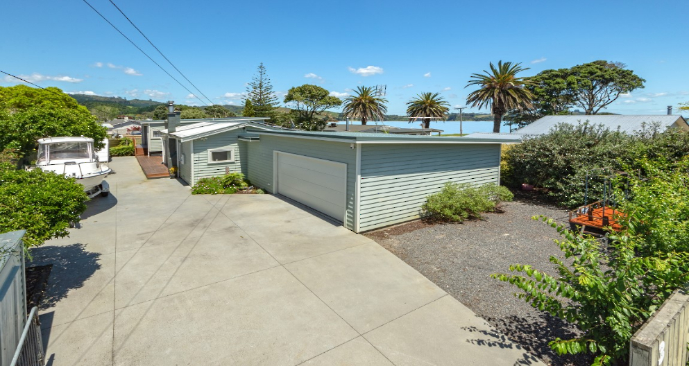 3 Karaka Road, Kawakawa Bay Clare Nicholson Bayleys Real Estate