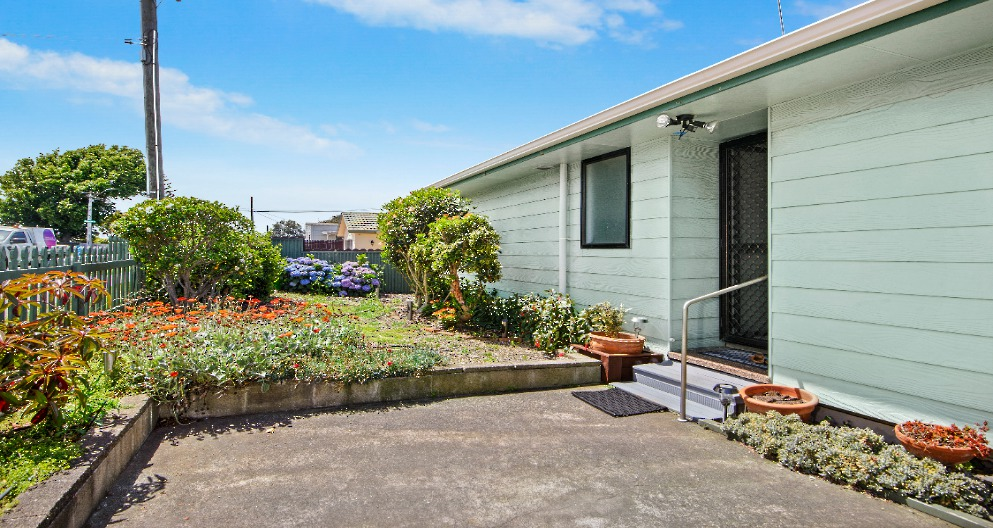 32 Clendon Avenue Papatoetoe Clare Nicholson Raywhite Howick