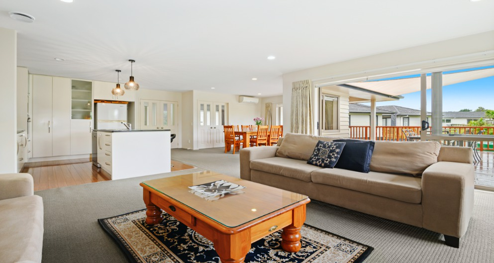 33 Pony Park Place Beachlands Clare Nicholson Raywhite Howick
