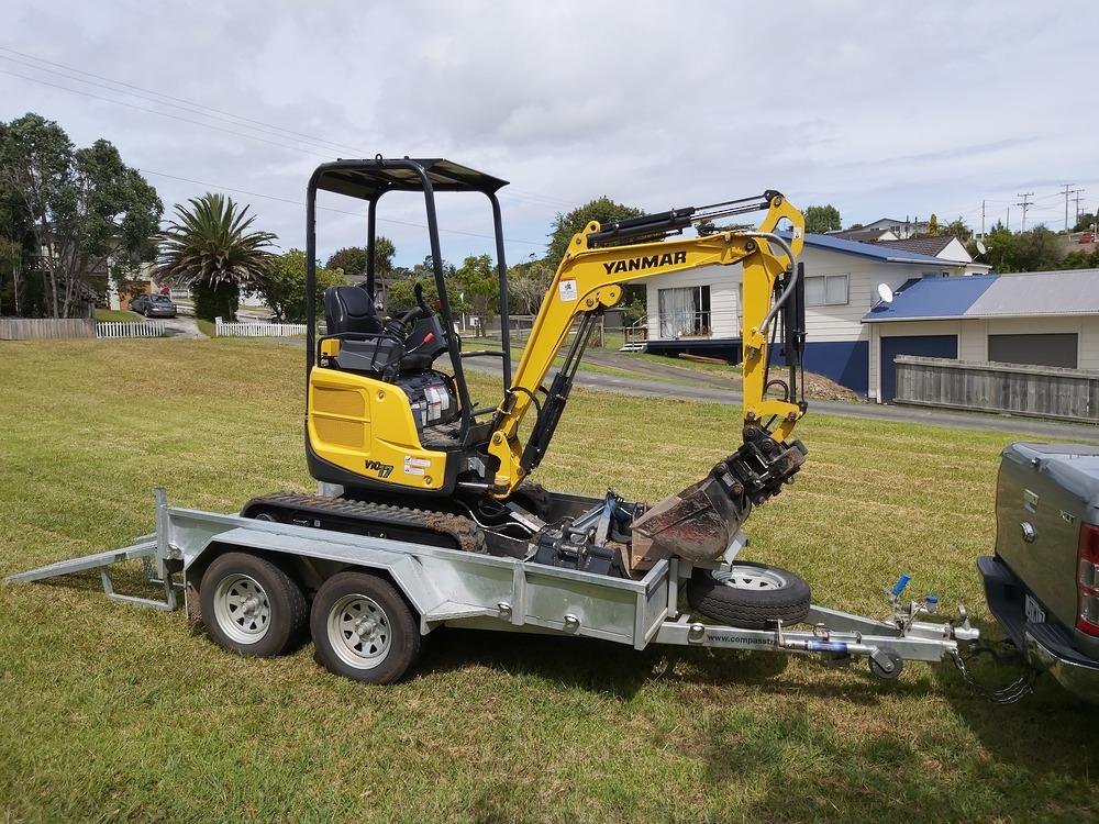 ENCLOSED Heavy Duty Tandem Digger Trailer 2500kg GVM Braked image 6