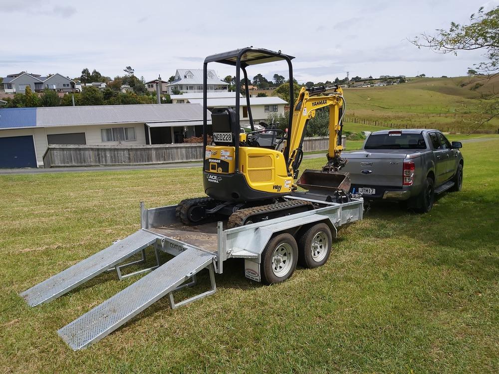 ENCLOSED Heavy Duty Tandem Digger Trailer 2500kg GVM Braked image 7