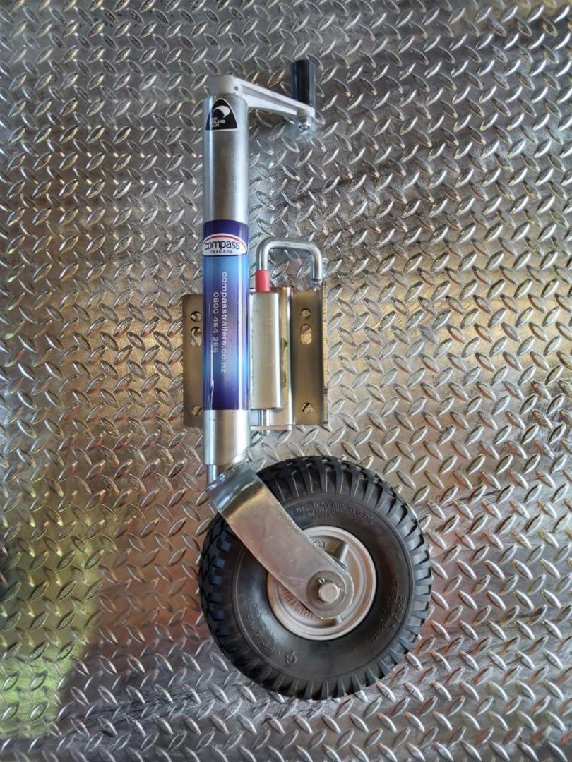 Flat Deck Tandem 4820 x 2200mm 3500kg GVM 4 Wheel European Braking image 5