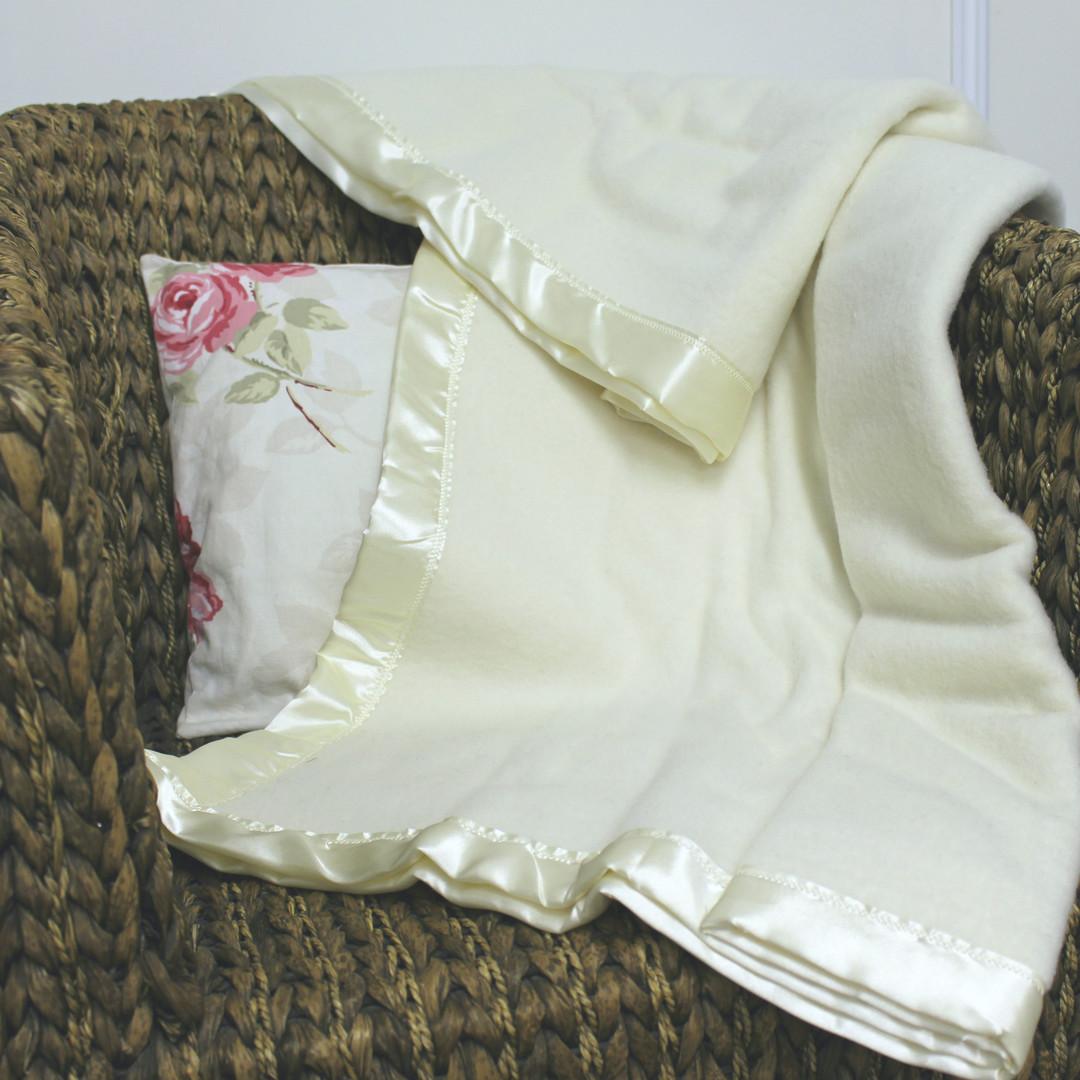 Traditional Wool Blanket - Baby image 0