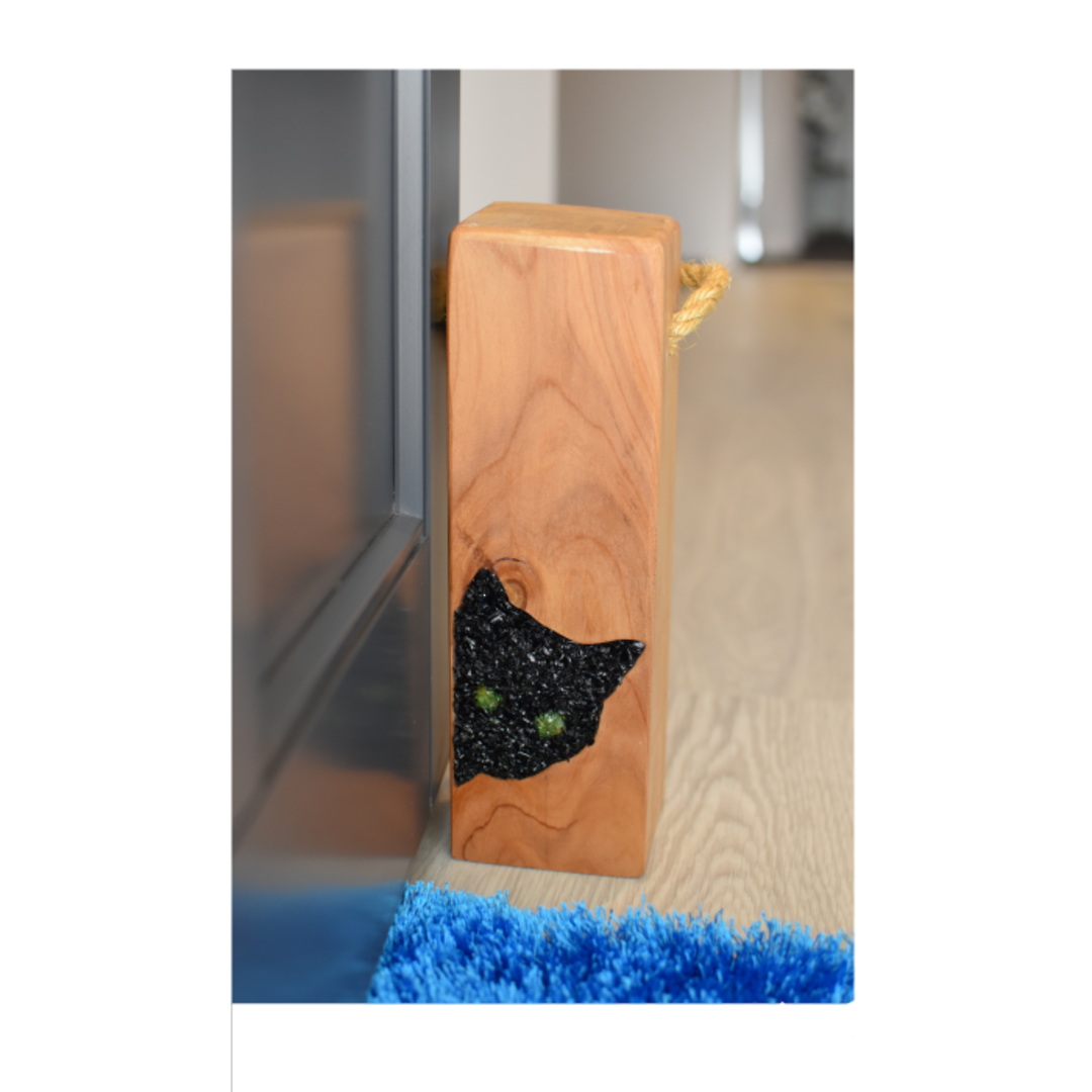 Macrocarpa Black Cat Door Stop image 0