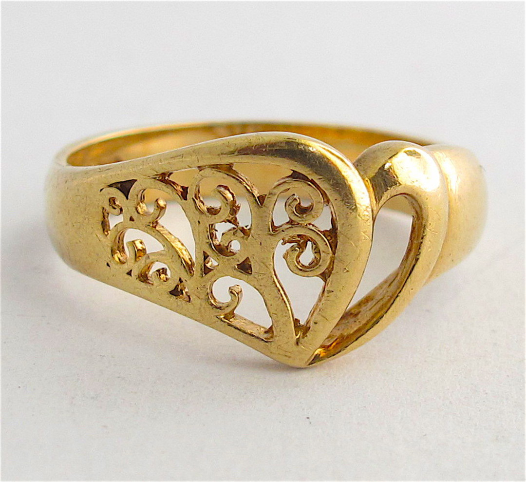 9ct yellow gold fancy heart dress ring image 0